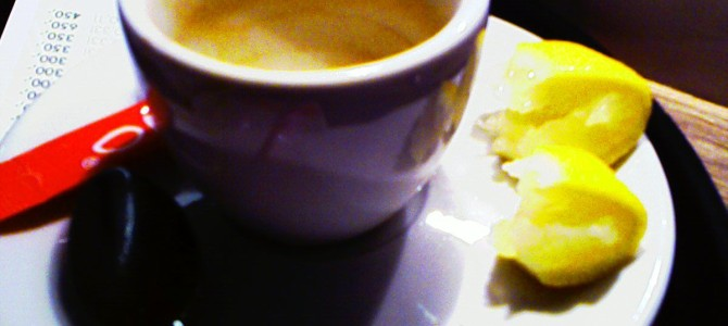 Cafea cu lamaie pentru durerile de cap