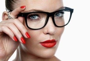 femeie-ochelari-1