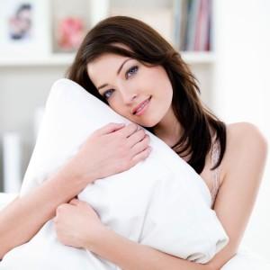 somnul ajuta la diminuarea cearcanelor