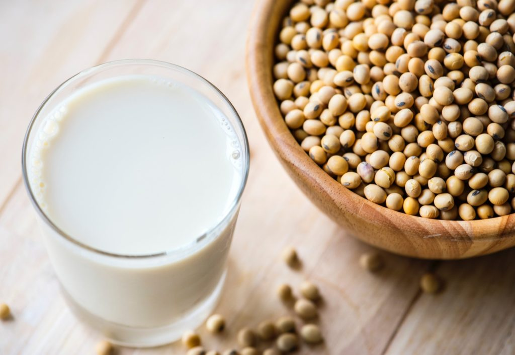 laptele de soia avantaje